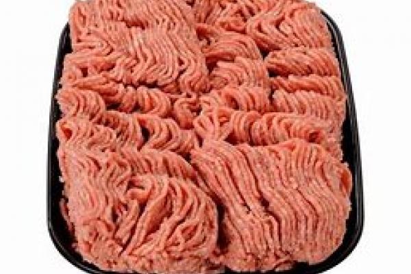 Producten gemaakt van gehakt varken, rund en kalf